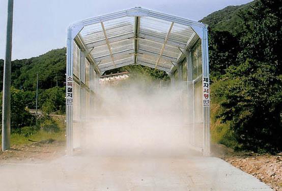 车辆喷雾消毒通道